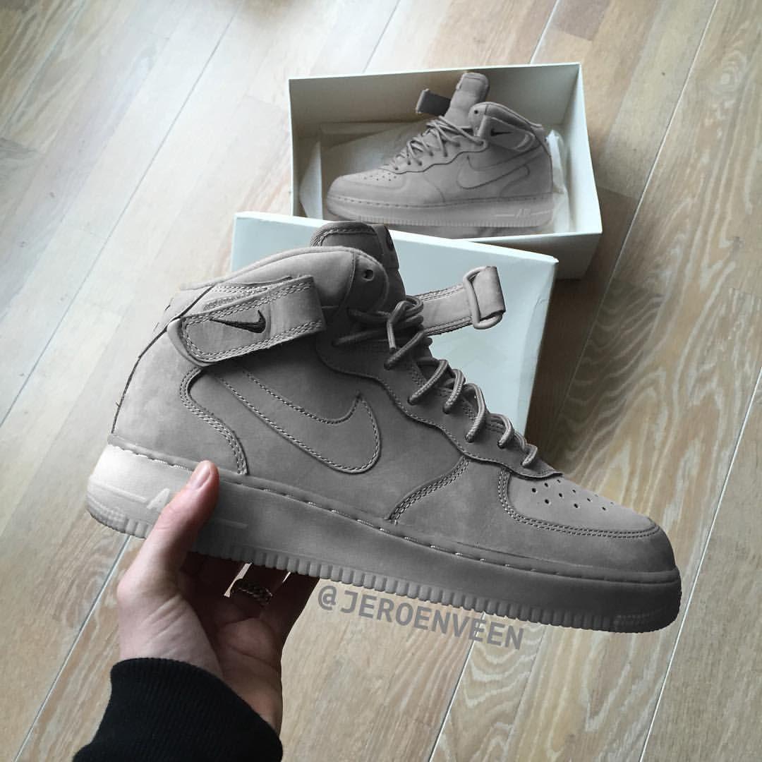 Nike Air Force 1 Cendre Grise Mi Haut