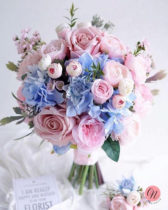 Bride S Bouquet In The Wedding Symbolizes Happiness Page 42 Of 57 Sciliy Flower Bouquet Wedding Wedding Flower Arrangements Wedding Flower Guide