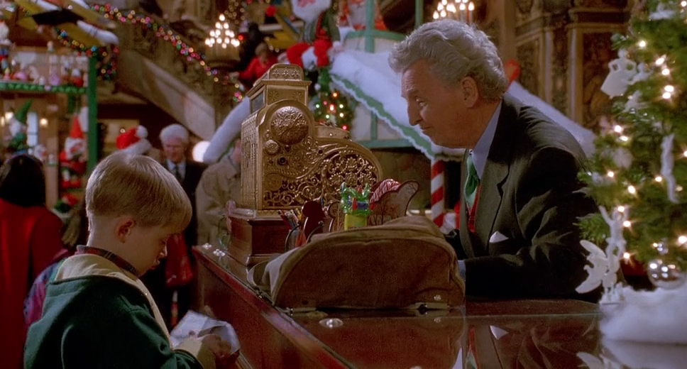 Picture Of Home Alone 2 Lost In New York Home Alone Home Alone Movie Home Alone Christmas