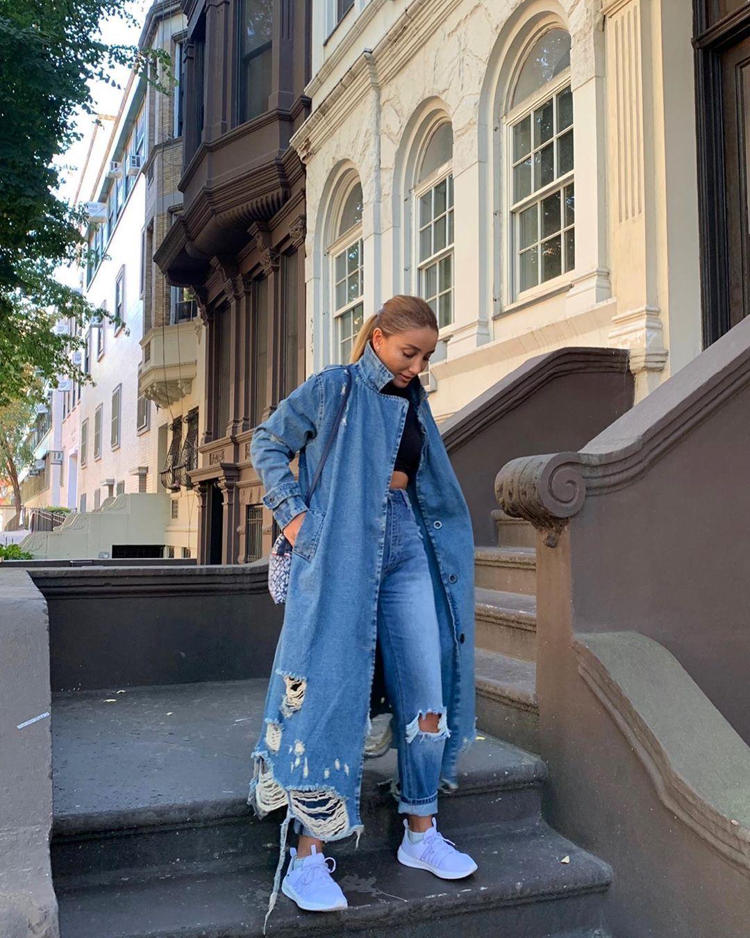 Gunay Ibrahimli On Instagram Oz Dunyanin Gucu Və Mərkəzi Sənsən Nəyi Dusunməyi Secirsənsə Qarsina O Cixacaqdir C Street Style Style Fashion