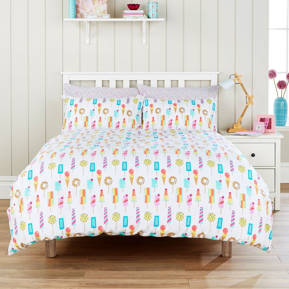 The Hummingbird Ice Lollies bedding features a fun, bright