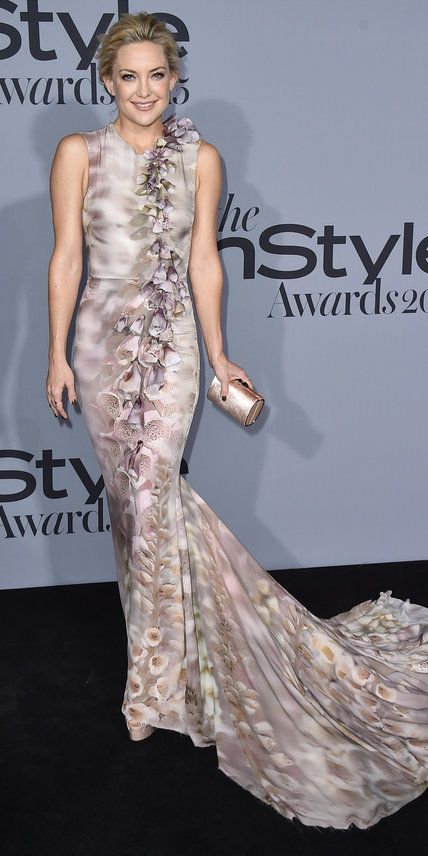 Kate Hudson arrives at the inaugural InStyle Awards at The Getty Center on Monday, Oct. 26, 2015, in Los Angeles. (Photo by Jordan Strauss/Invision/AP)