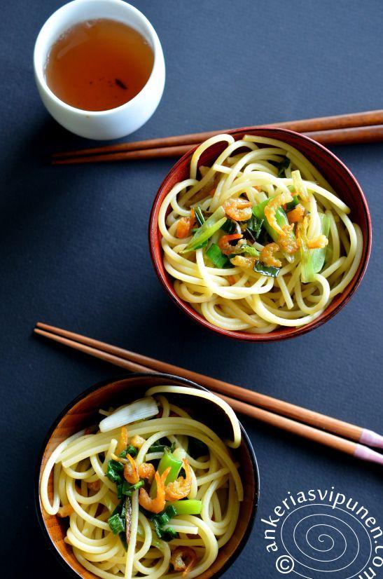 Fuchia Dunlop's shanghai-noodles