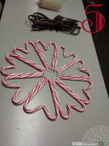 DIY: Candy Cane Wreath