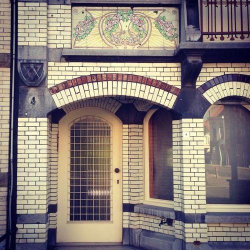 Mooie deur en tegels. (245/365) #kortrijk