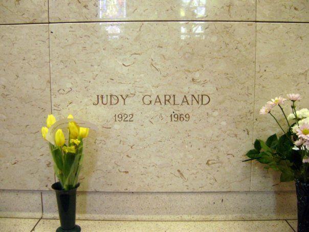 Judy Garland resting place   Final tribute   Pinterest ...