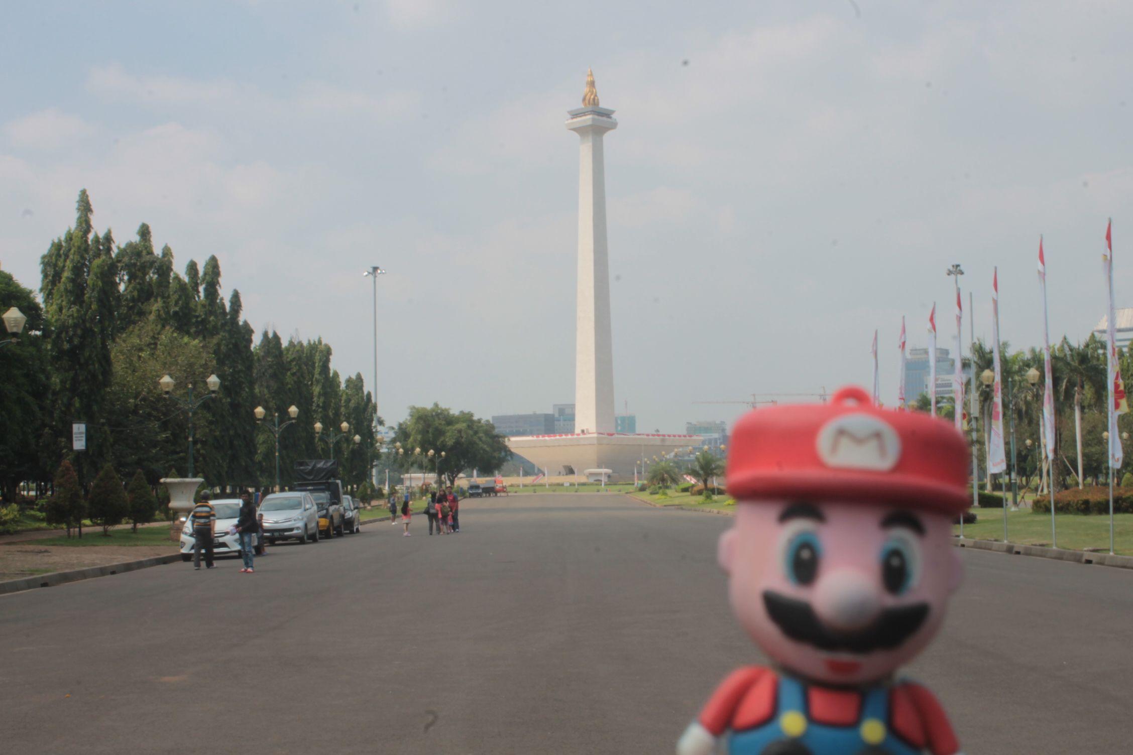 En el monumento nacional de Yakarta
