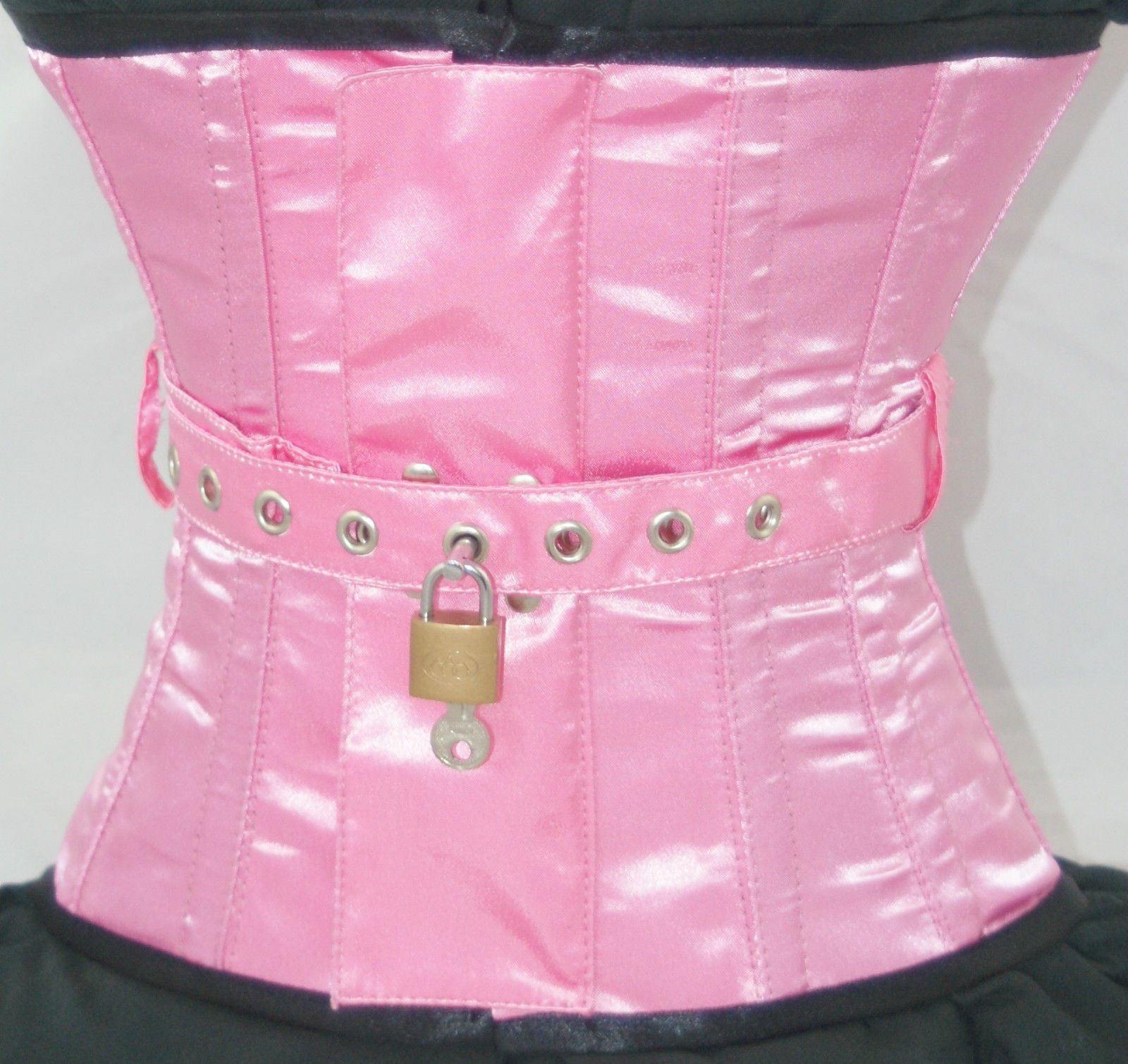 d5dc923cfb A locking pink corset... a dream! Oh how I wish!!