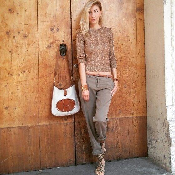 Total look Zara & Hermes bracelets and bag. . . . . . . Evelyn