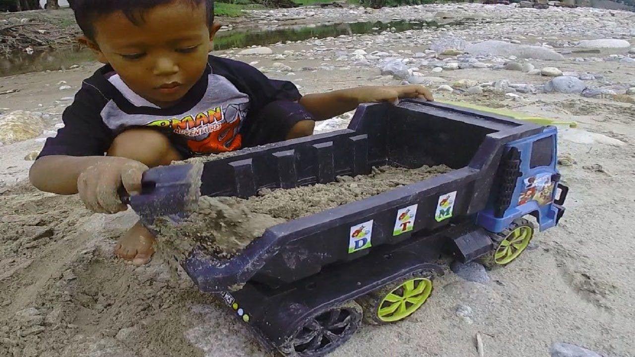 Bermain Mobil Mobilan Angkut Pasir Dan Batu Truk Mainan Anak Mobil Mainan Mainan Anak