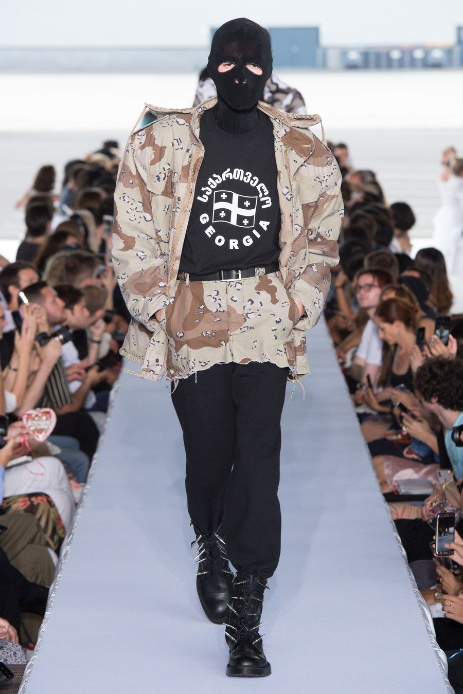 Vetements Spring 2019 Menswear collection, runway looks, beauty, models,  and reviews. c090c7feb70