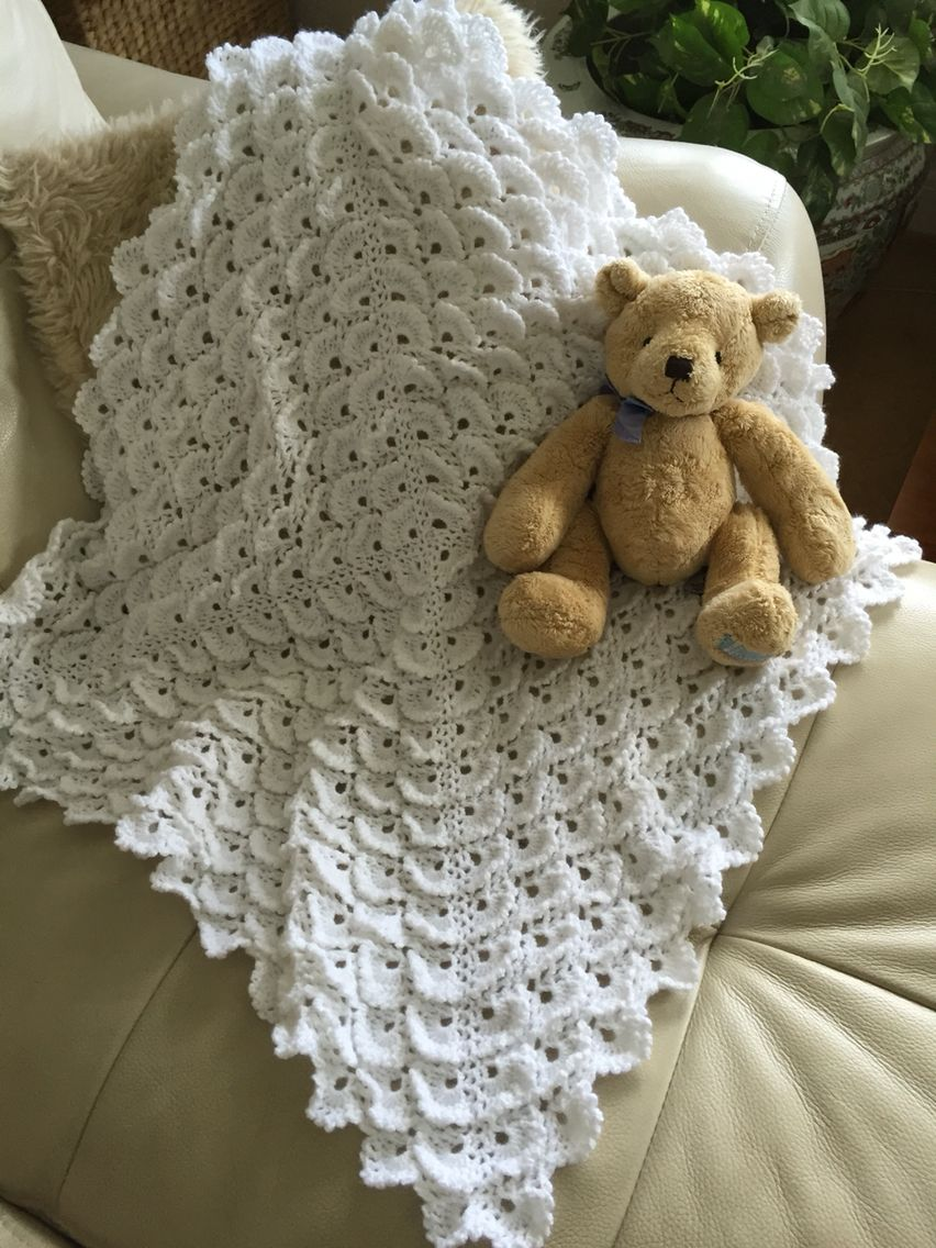 Baby blanket crocheted in fluffy meringue stitch and 4 ply wool ...