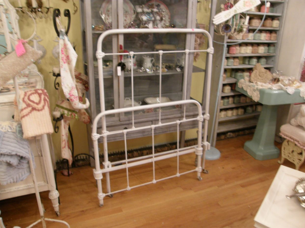 Unique 22 Fab Wrought Iron Bed Frames Vintage Generate Better