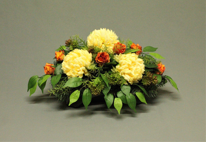 Dekoracja Nagrobna Kwiaty Sztuczne Dekoracja Na Pomnik Etsy In 2020 Floral Floral Wreath Wreaths