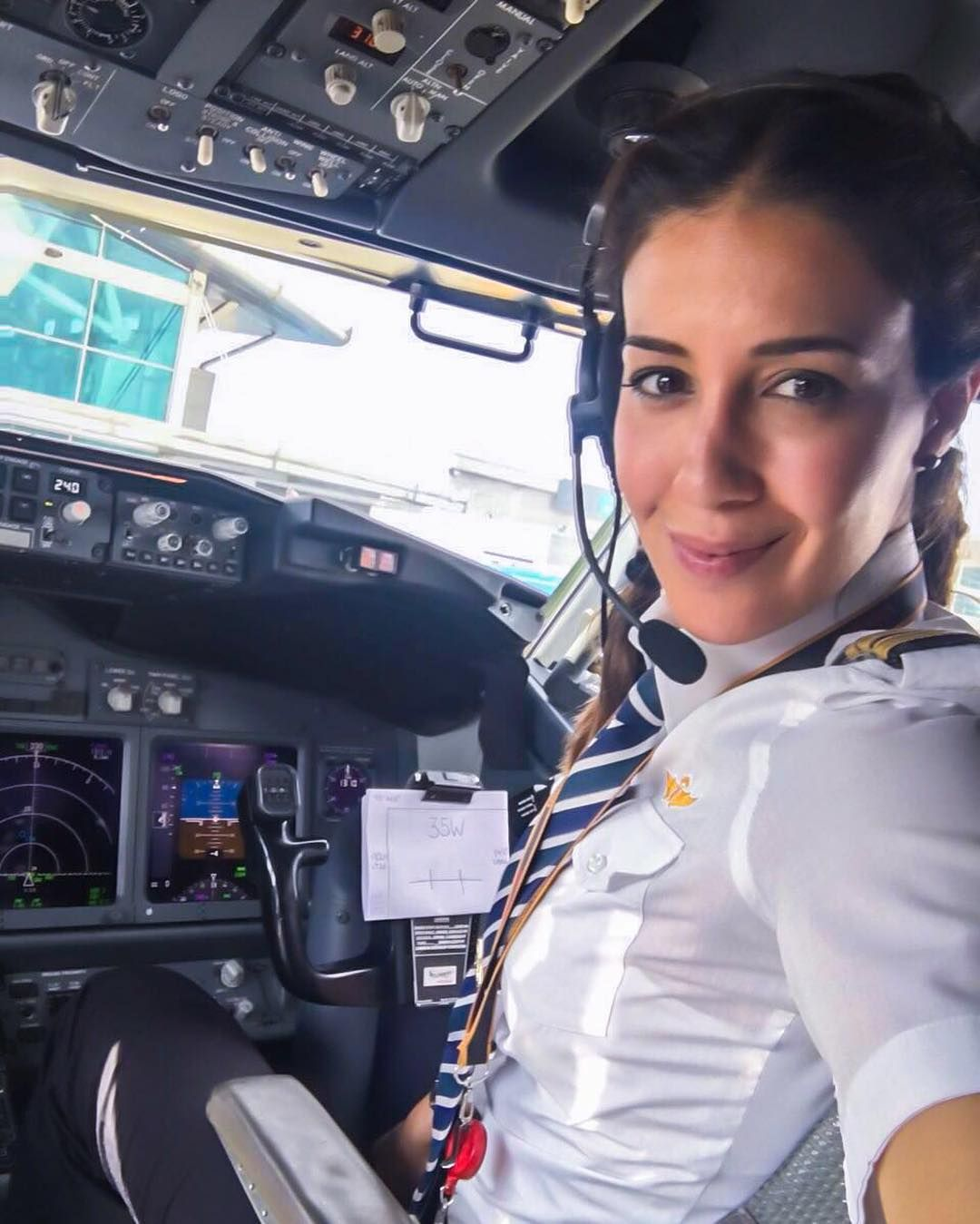 Dating commercial airline pilot
