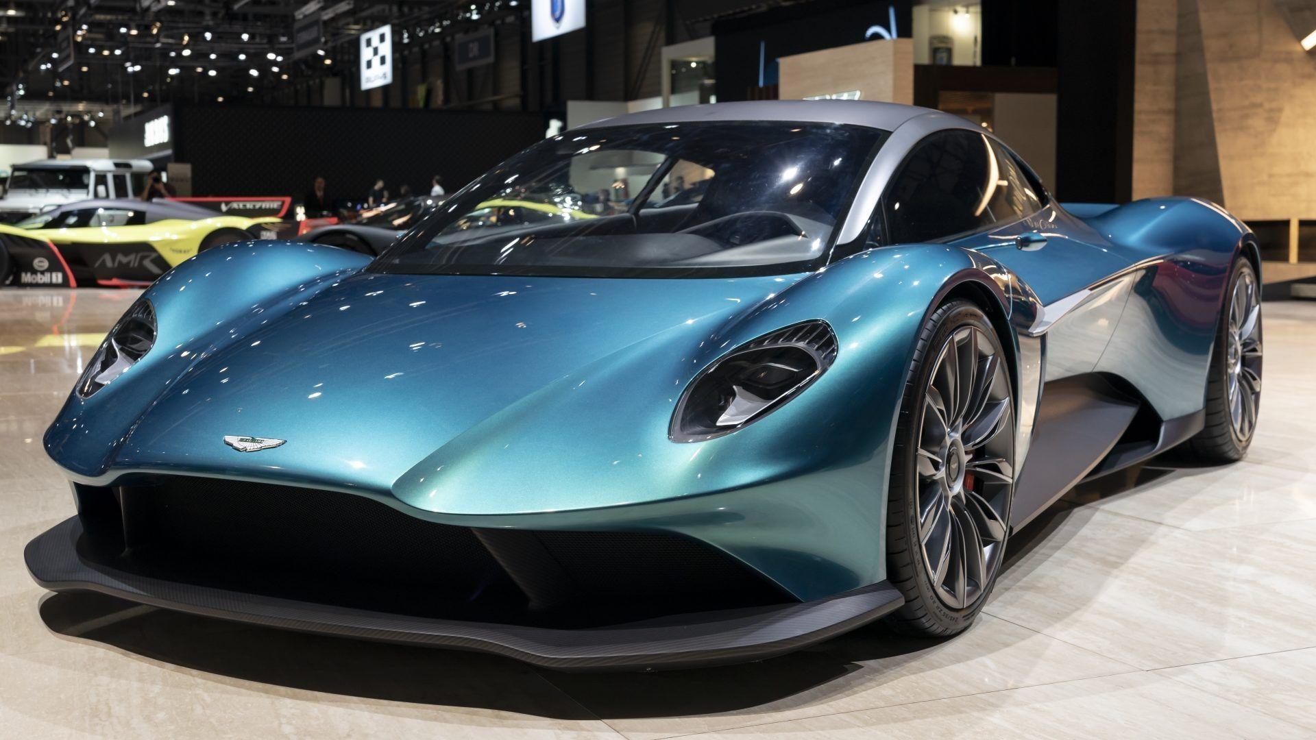 Report MidEngined 2022 Aston Martin Vanquish Will Have
