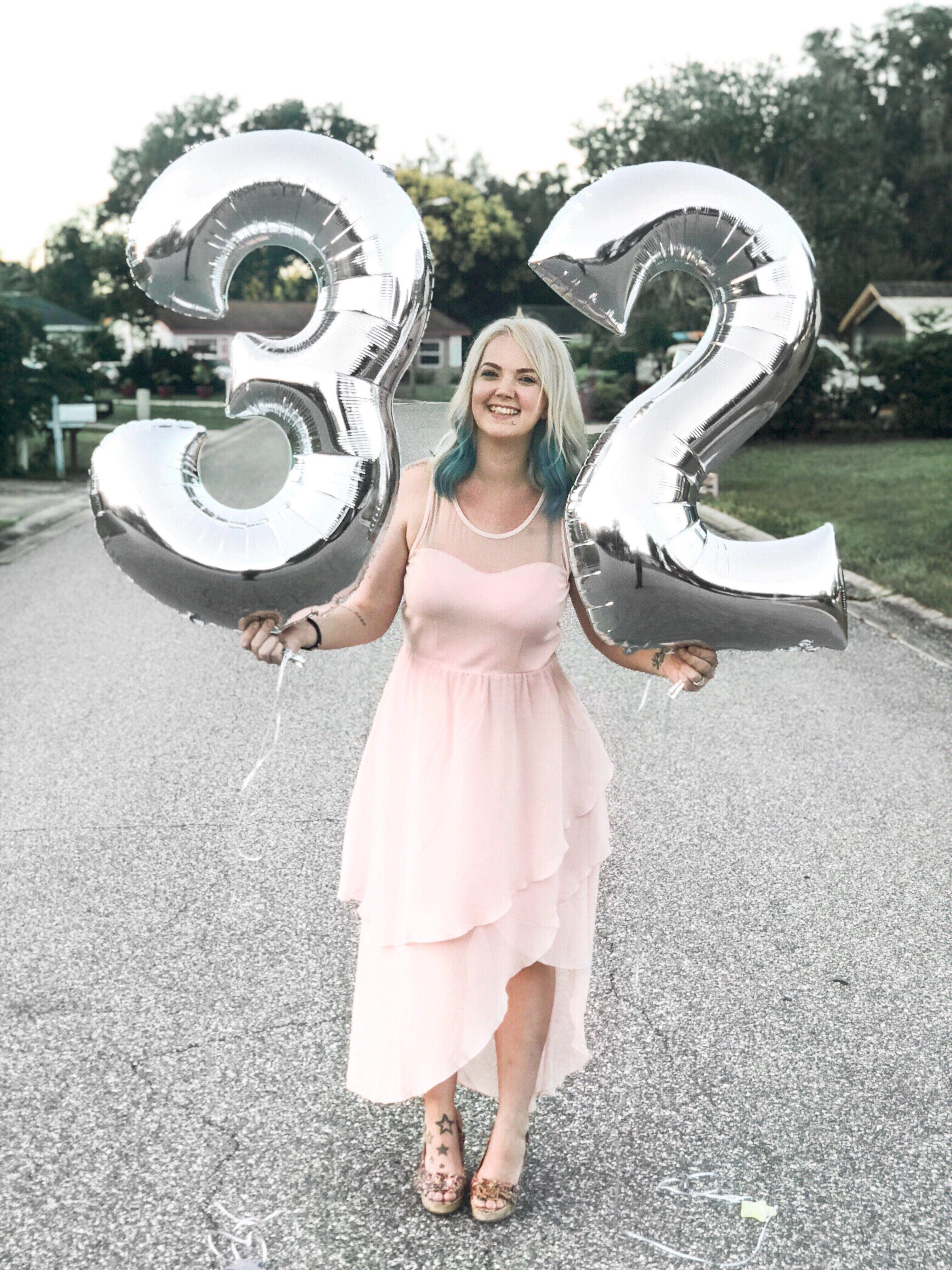Hello 32 It S My Birthday Its My Birthday 32 Birthday