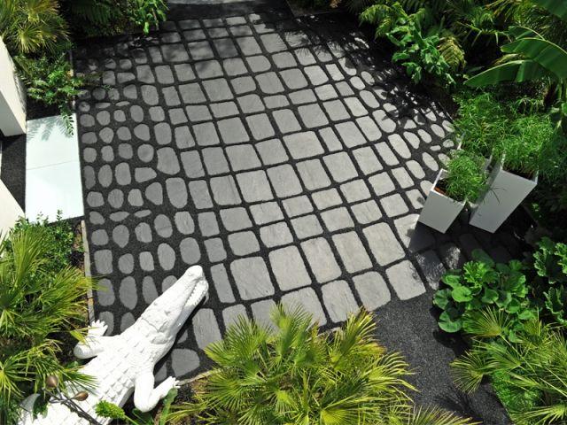 Fiche technique - Un jardin crocodile dynamise lu0027entrée du0027une maison - allee d entree maison