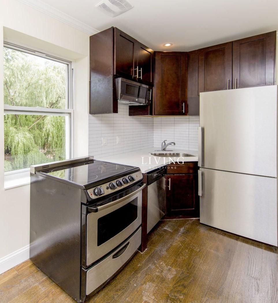 Apartments For Rent In East Portland Oregon: 2 Bedrooms 1 Bathroom Apartment For Sale In East Village