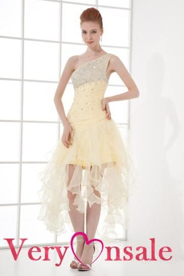 Short yellow prom dresses are the embodiment of the Sleeping ...