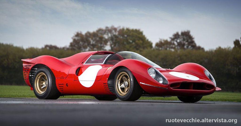 La Ferrari 330 P4 è sicuramente una delle più grandi sport prototipo mai progettate dalla Ferrari. Fra il 1962 e il 1967, la Ferrari vinse per ben cinque volte la Classe Prototipi del Campionato Mondiale Marche: le vetture con il Cavallino Rampante erano quelle da battere!