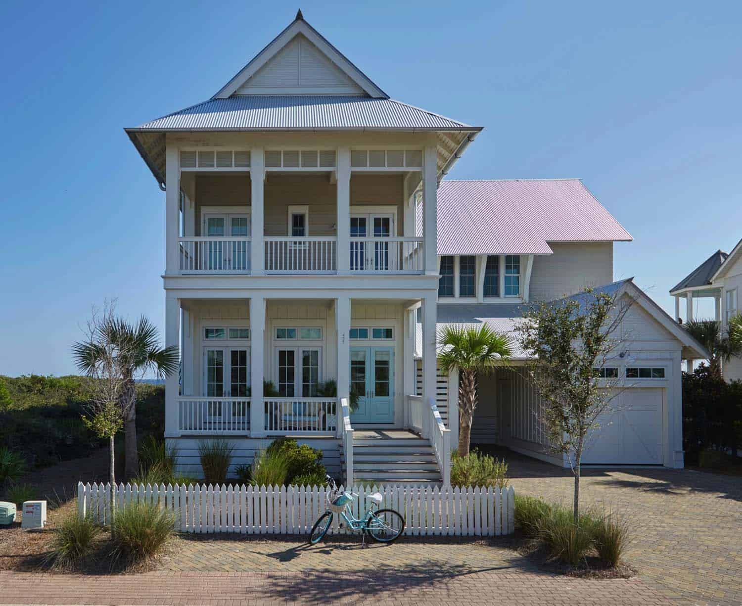Colorful Beach Retreat Offers Dreamy Getaway On Florida S