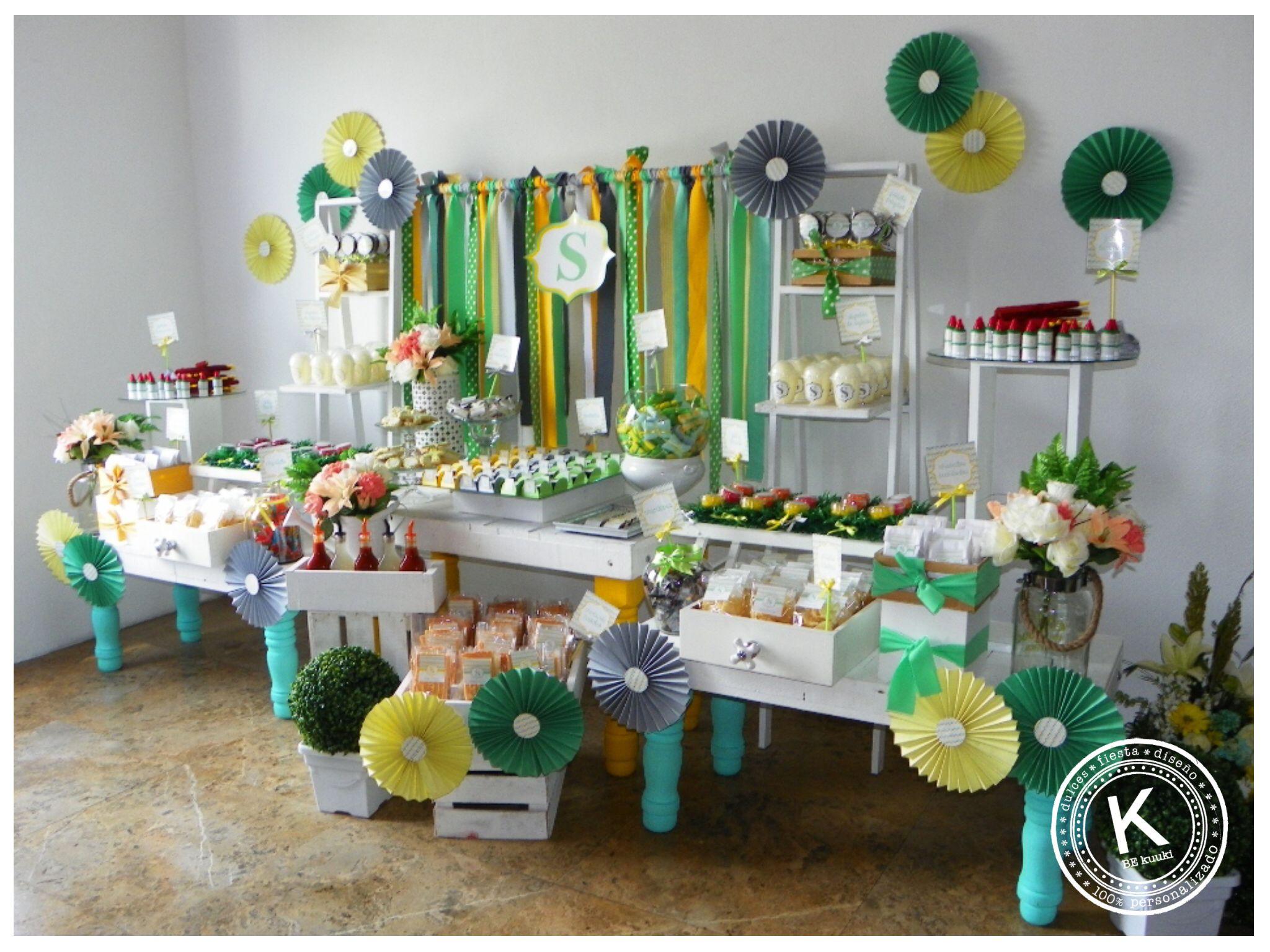 Mesa de dulces candy bar bautizo niño postres