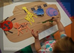 Noah's Ark Craft with links to animal crafts for toddlers    Best of
