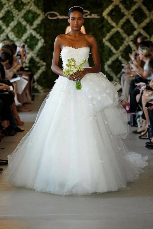 Charleston SC. This dress is stunning! Very romantic. http://www ...