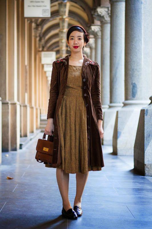 Desperately Seeking A Vintage Lover Brown Vintage Dresses Vintage Outfits Classy Vintage Blogger