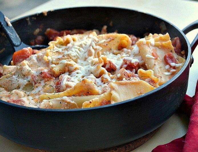 """Easy """"Skinniy"""" Skillet Lasagna - 275 calories & 3 fat grams per cup!"""