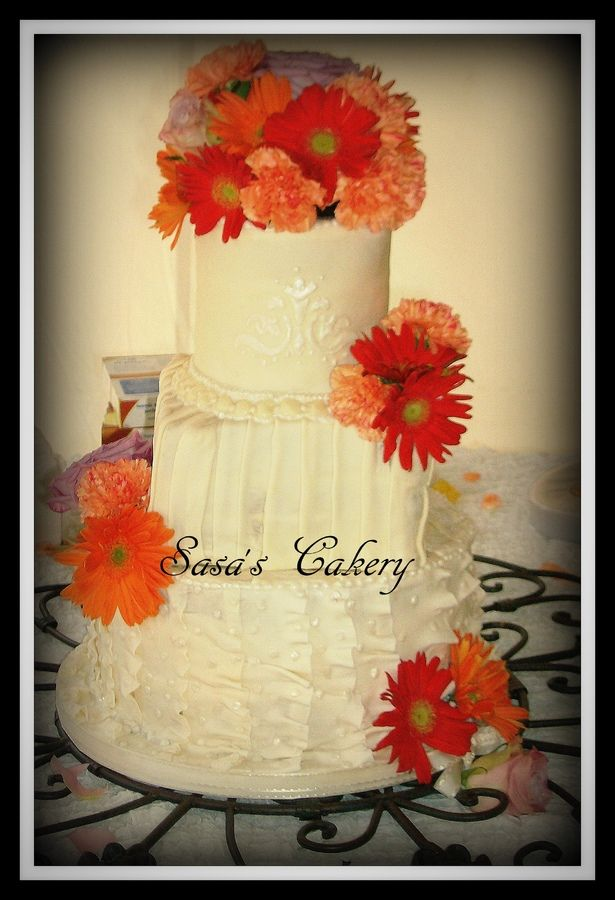 Fondant Wedding cake with real flowers