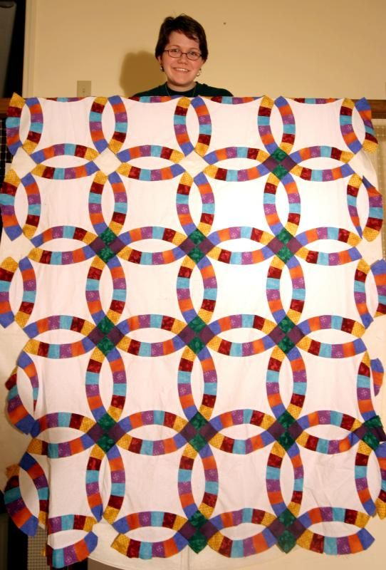 Double Wedding Ring Quilt This Is The Basic Pattern That I Make Wedding Ring Quilts From Still Playing Double Wedding Ring Quilt Wedding Ring Quilt Quilts