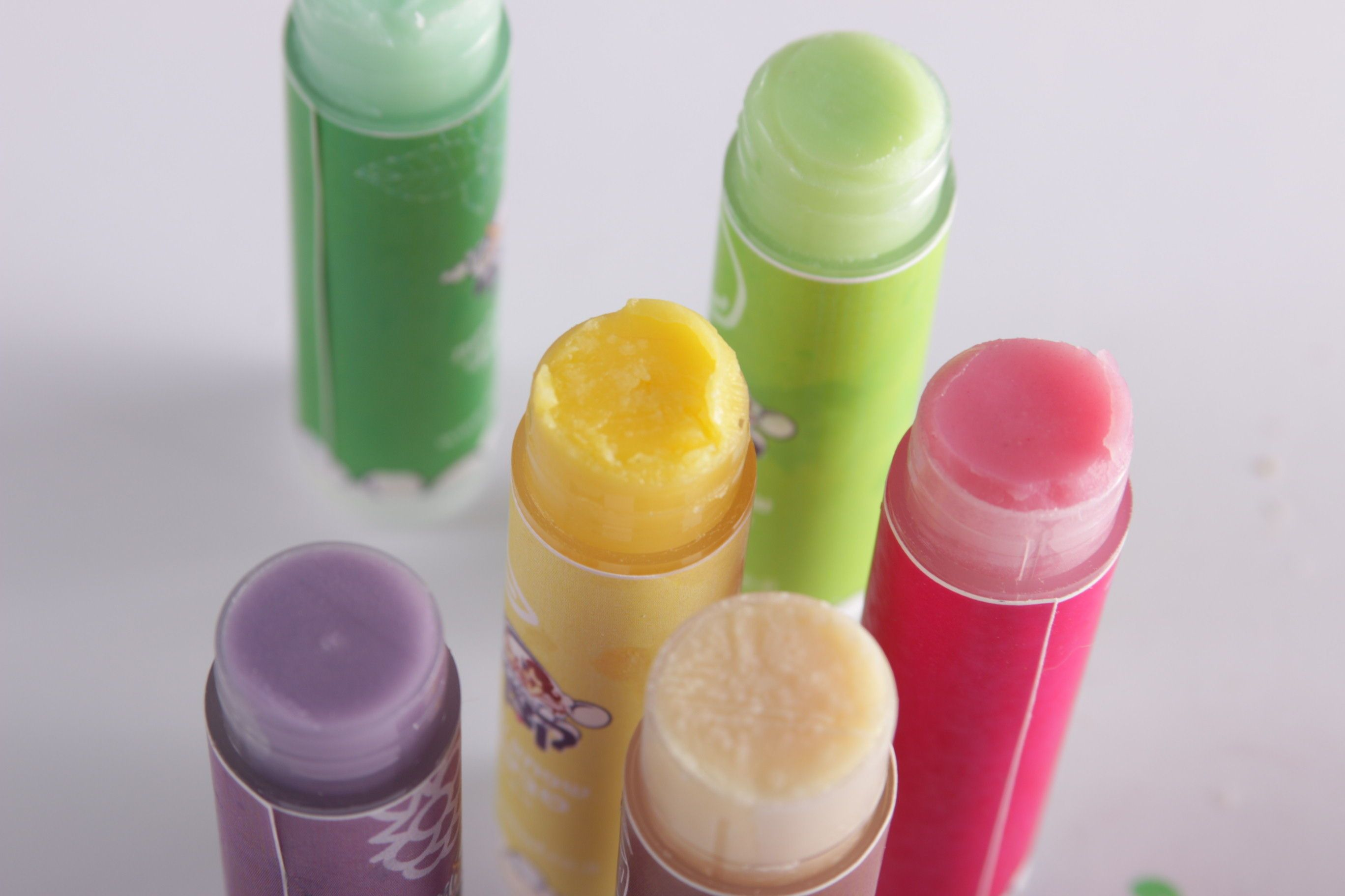 Natural vegan lip balm שפתון לחות טבעי וטבעוני (With