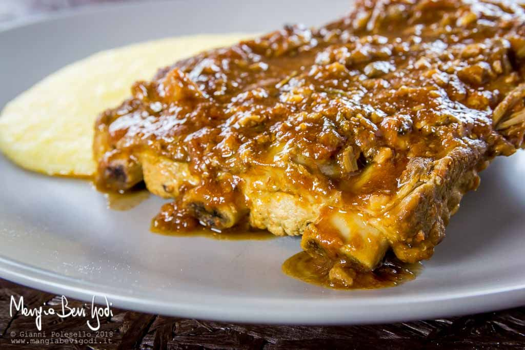 Photo of Stewed pork ribs with mushrooms are a second dish …
