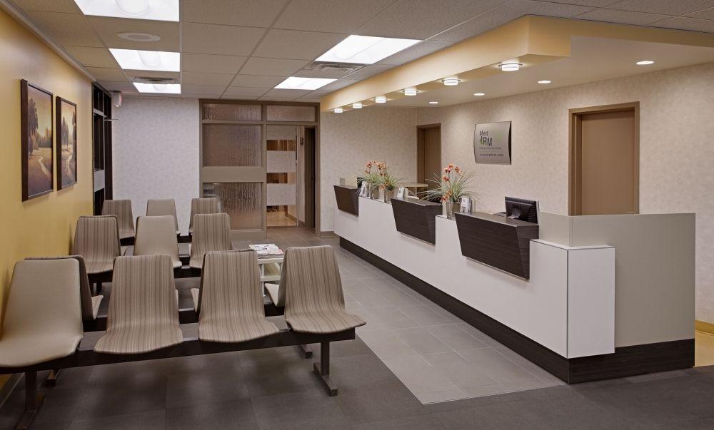 Image result for bureau de reception clinique médicale décor