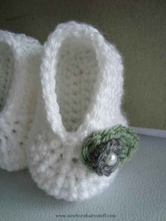 Crochet Baby Booties Cute basic baby booties that can be embellished ...