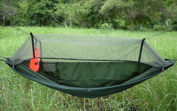 explore hammock with mosquito   canoe trip and more  olive green expedition hammock with dark green mosquito  ting      rh   pinterest