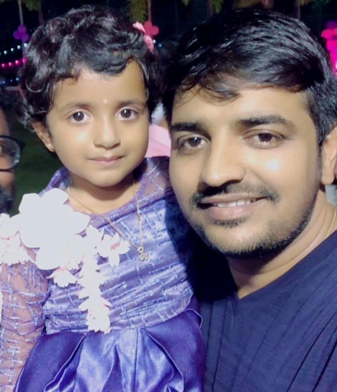 Sathish👌🏽 With #Sivakarthikeyan's Daughter, Aaradhana