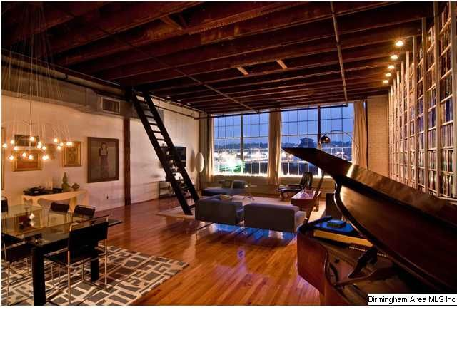 Loft In Birmingham Al Apartment