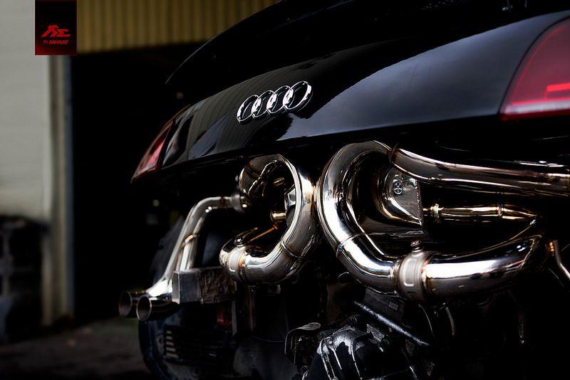 Black And White Audi R8 V10 With Fi Exhaust Audi R8 V10 Black Audi Audi