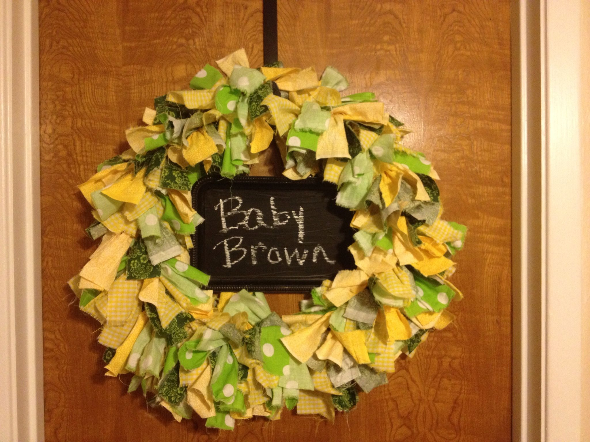 A wreath I made for my cousin who REFUSES to find out the sex of her baby. <3