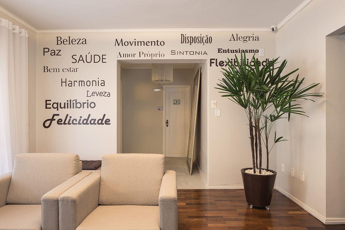 Parede Com Adesivos Recep O Clinica De Medicina Est Tica Projeto  -> Adesivo De Parede Estetica