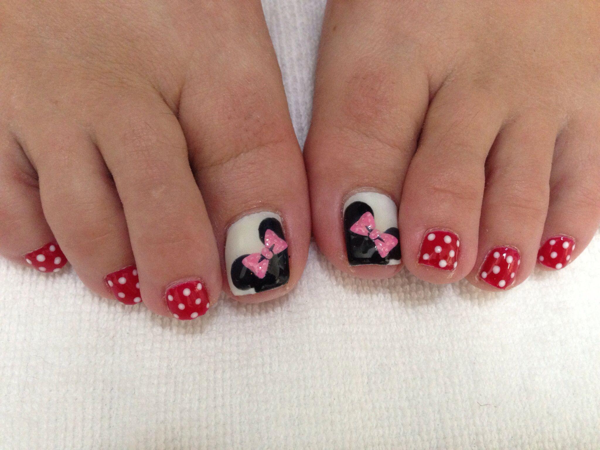 Minnie Mouse toe nails | Diseños de uñas | Pinterest | Diseños de ...