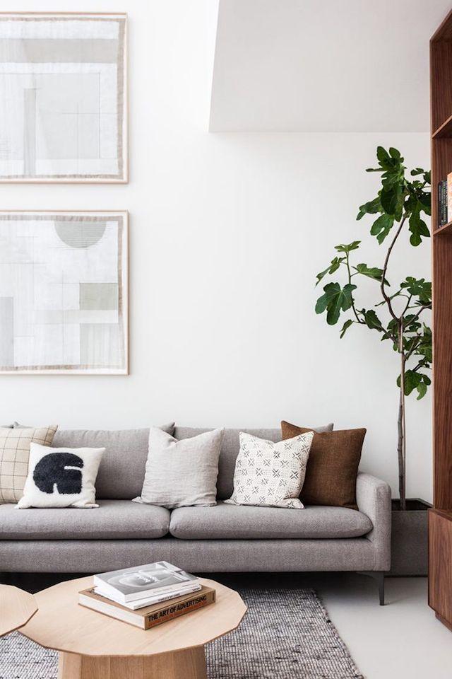 Wohnzimmer Einrichten Sofa Hellgrau Skandinavisch Modern Schlicht Monochrom  Weißu2026 | Interior: Wohnzimmer | Pinteu2026