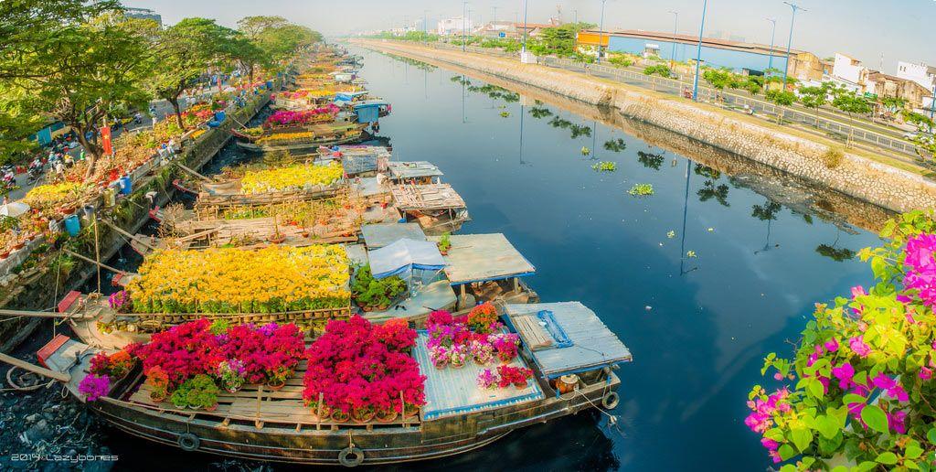 Binh Dong Floating Flower Market.Floating Flower Market At Binh Dong Wharf Ho Chi Minn City