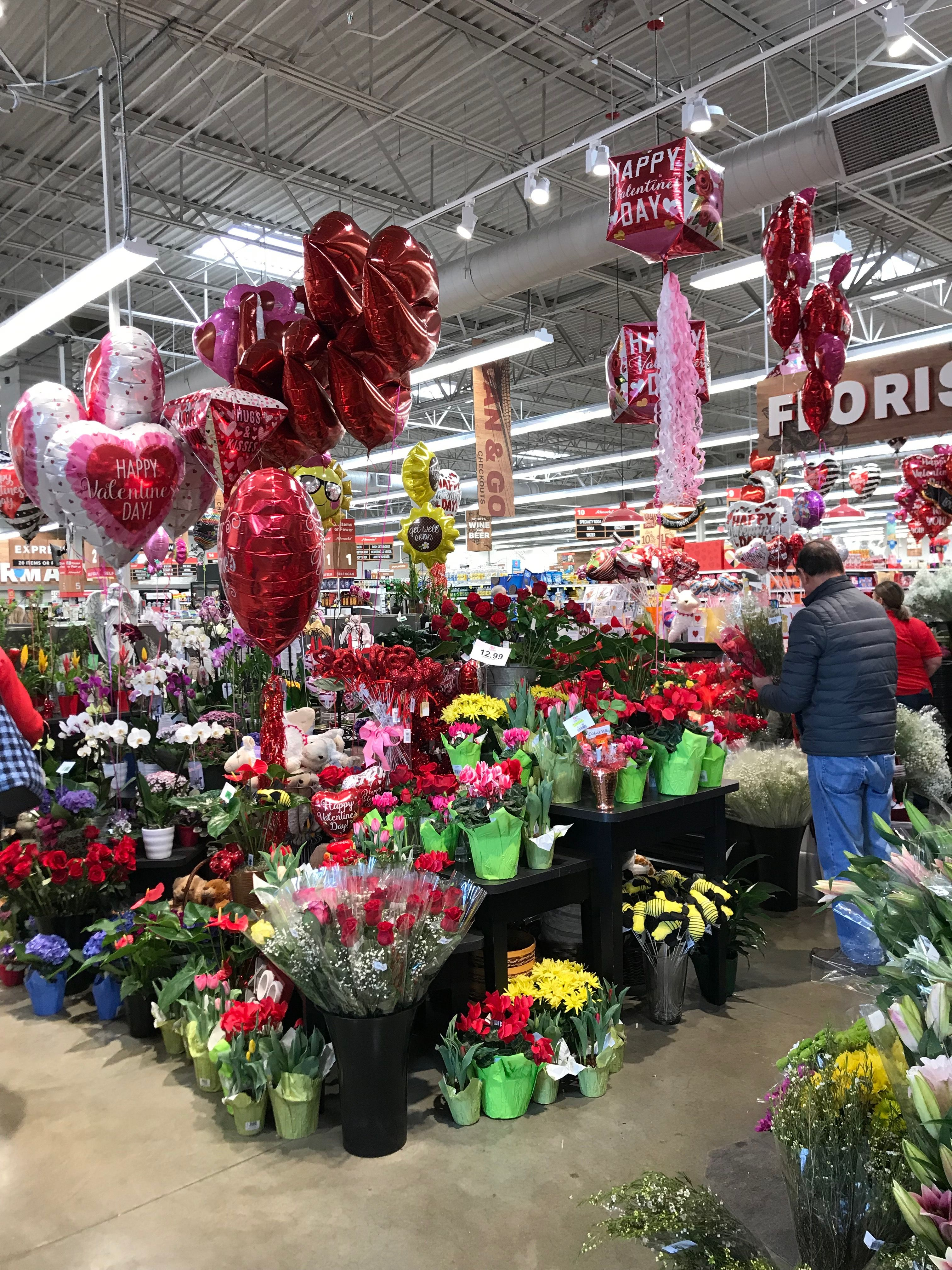 Grocery store Valentine's Day Christmas tree, Holiday, Decor