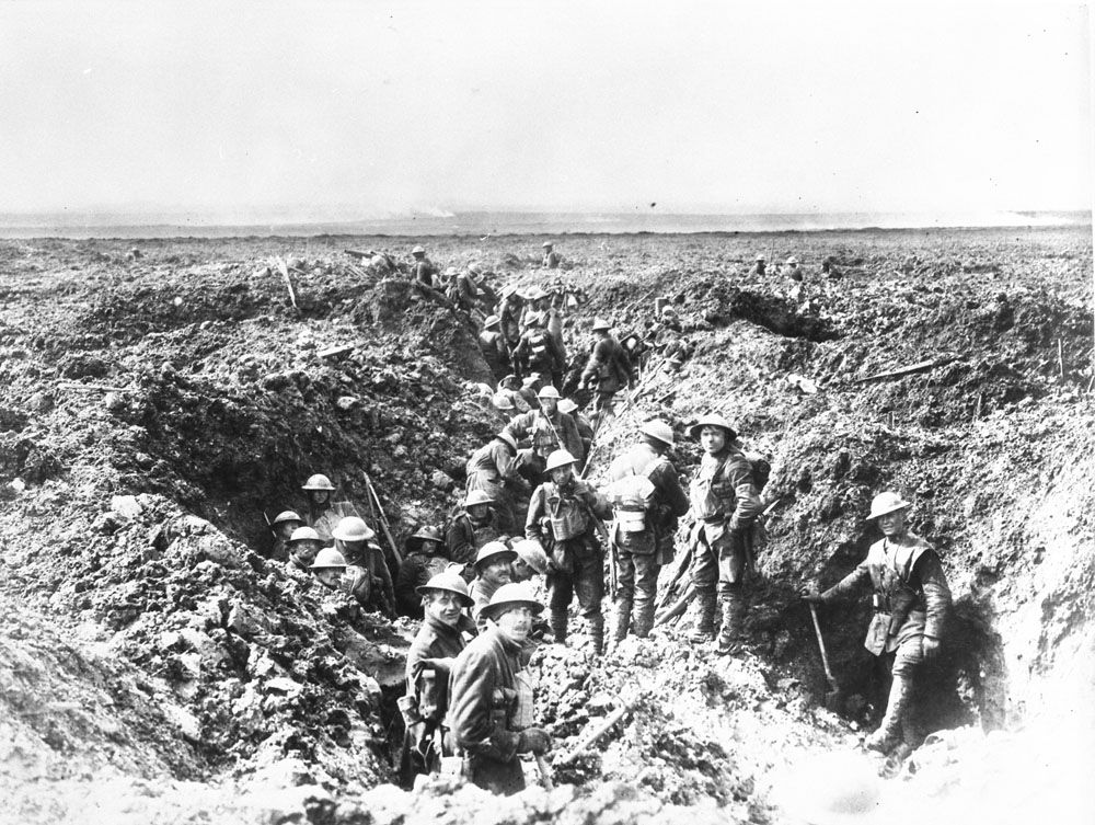Canadians Consolidating Their Positions On Vimy Ridge April 1917 Canada Dept Of National Defence Librar Canadian History Canadian Soldiers World War One