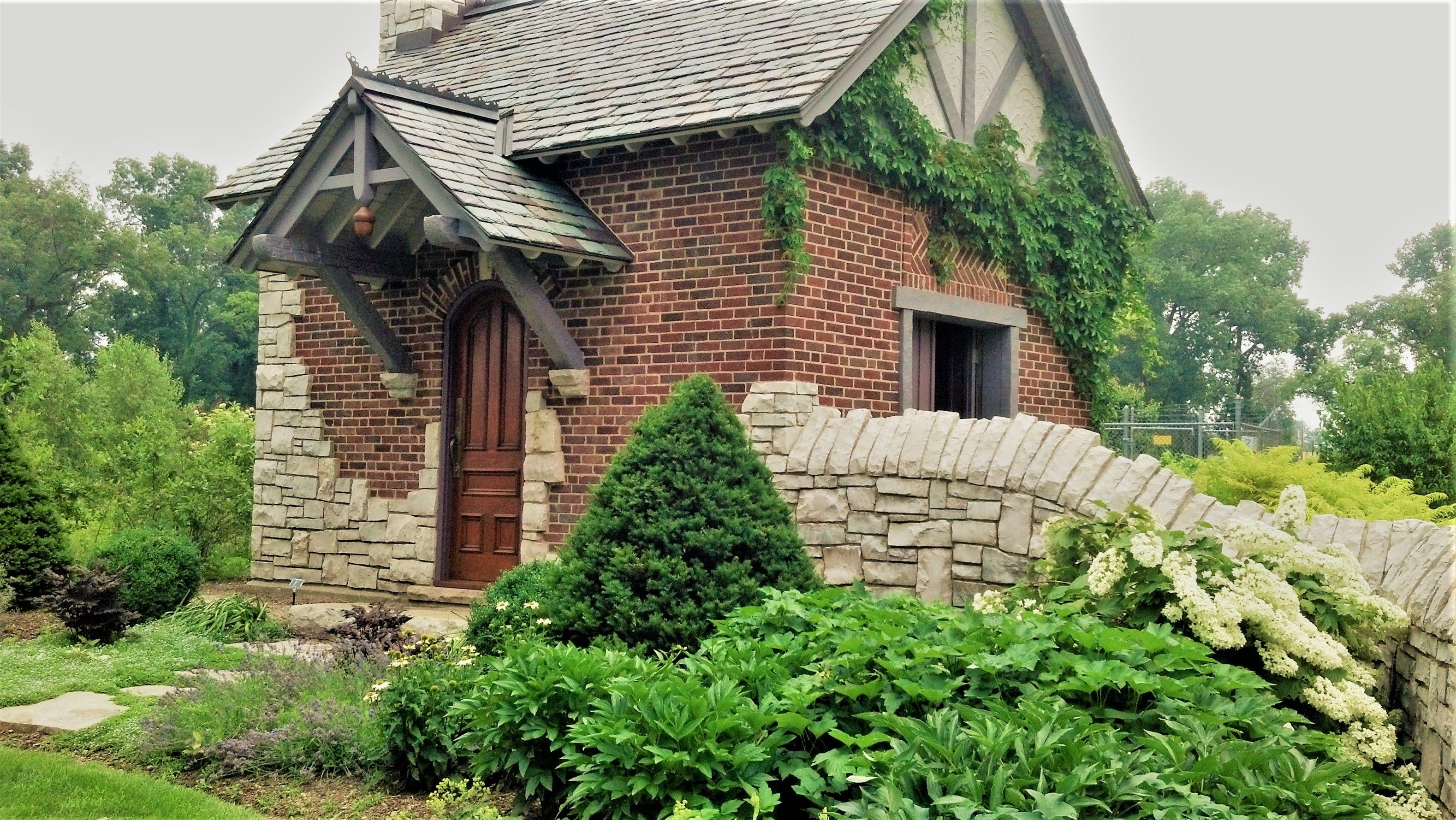 6ee277271131aa5f0ed7b79236b50350 - Wellfield Botanic Gardens In Elkhart Indiana