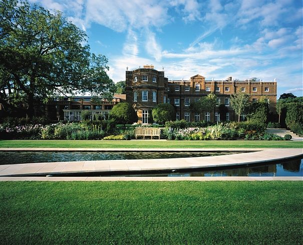 Book Entertainment For Events At The Grove London Hotels Family Friendly Hotels Country House Hotels